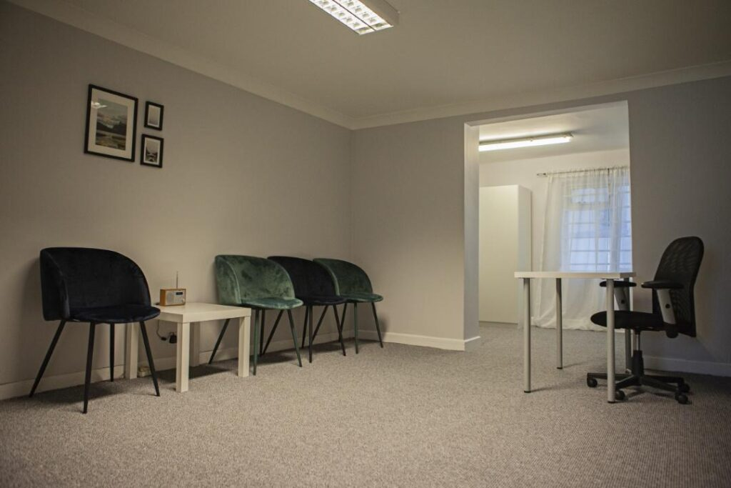 therapy, counselling, psychotherapy, low cost therapy